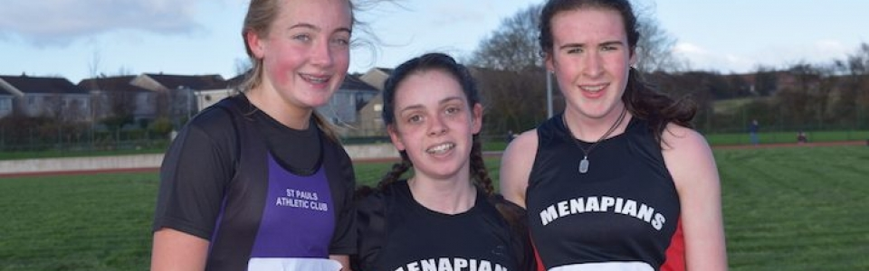 L-R Girls U16 – Maeve Hayes (St Paul's AC) with April Keeling and Róisín O'Reilly (both Menapians AC)